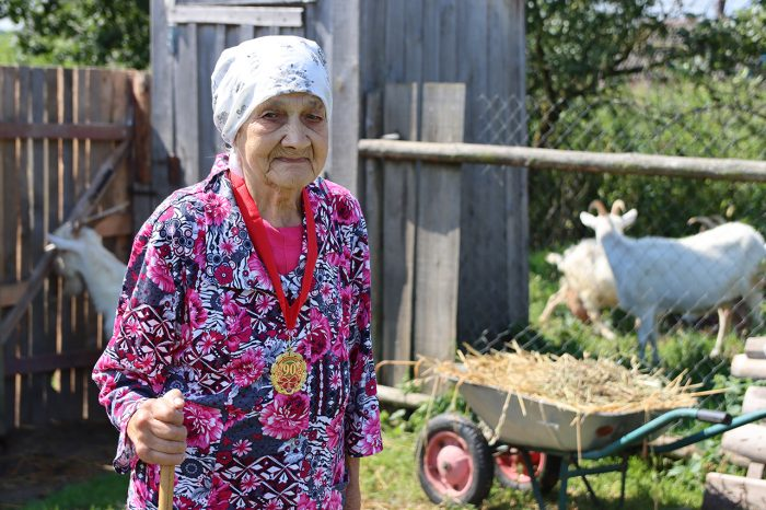 Долгожительница Южского района принимала поздравления