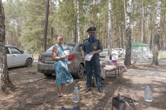 Сотрудники МЧС побывали на озере Западное Южского района с профилактическим рейдом