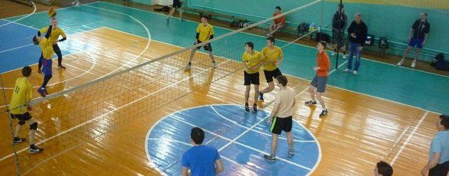На спортивной базе г.Южи встретились волейболисты