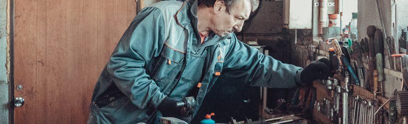 В гараже у Валерия Смирнова
