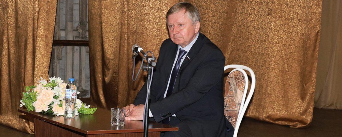 Владимир Гришин встретился с жителями города