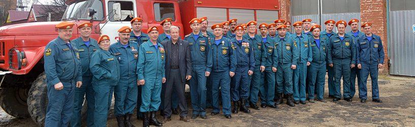 Южские пожарные принимают поздравления