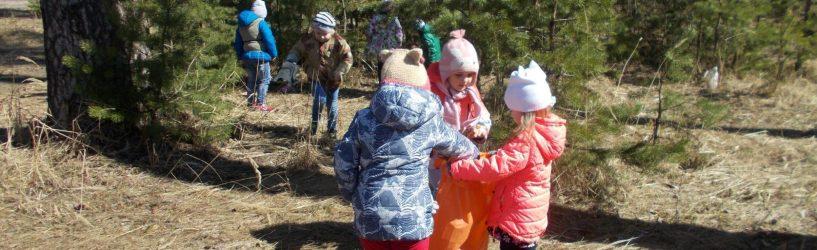 Ребята из детского сада «Тополек» устроили субботник