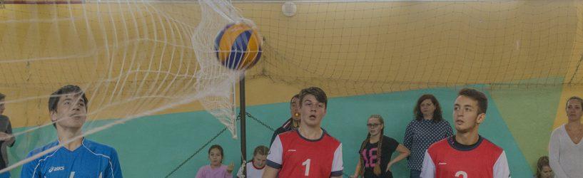Волейболисты собрались на турнир памяти Геннадия Яхнова