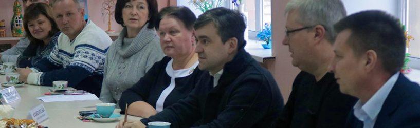 Губернатор встретился с общественностью в Талицах и посетил фабрику в Юже