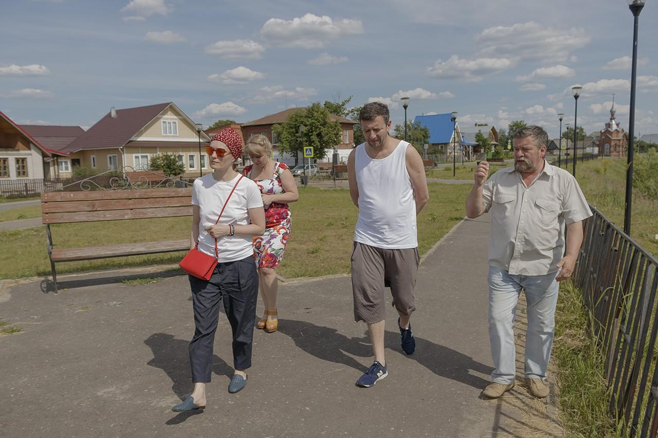В селе художников побывала актриса Виктория Толстоганова (ФОТО)